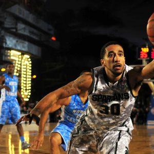 athletes-basketball-court-71103